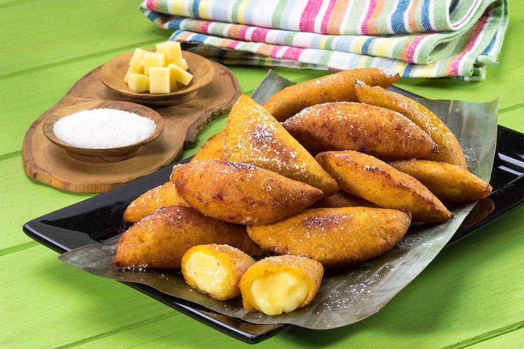 Receta Doñarepa - Empanadas de Plátano Maduro Rellenas de Queso Blanco